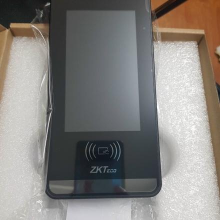 Máy chấm công nhận diện khuôn mặt ZKTECO MiniAC Plus